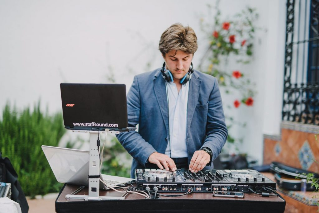 DJ para bodas y eventos en Sevilla. Juan Rojas.