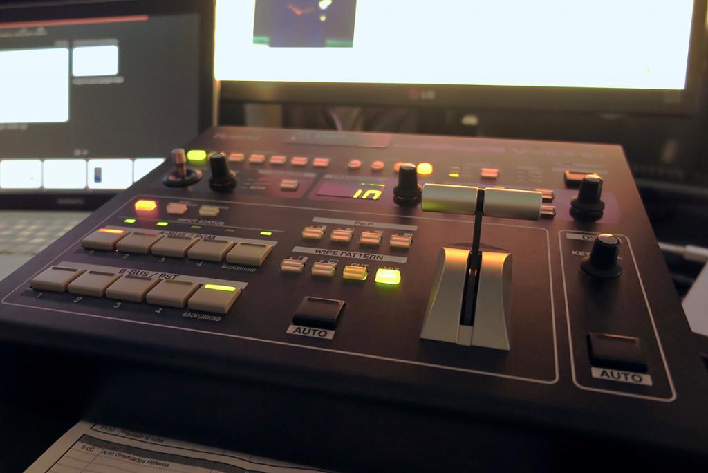 Empresa de Audiovisuales para Eventos en Sevilla. Alquiler y montaje de pantallas LED, Proyectores y Sonido para eventos.